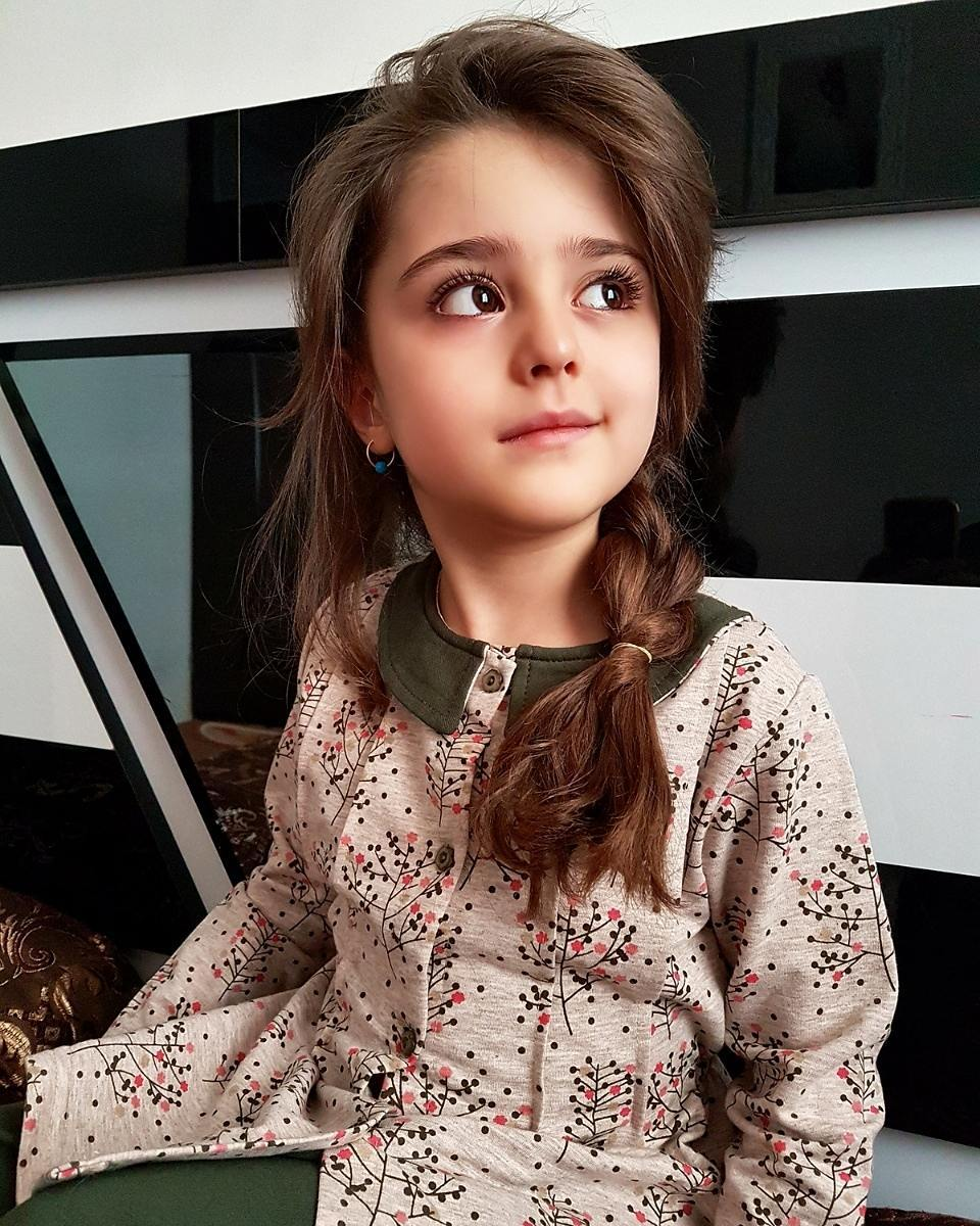 Meet The 7 Year Old Iranian Girl Who Became An Internet