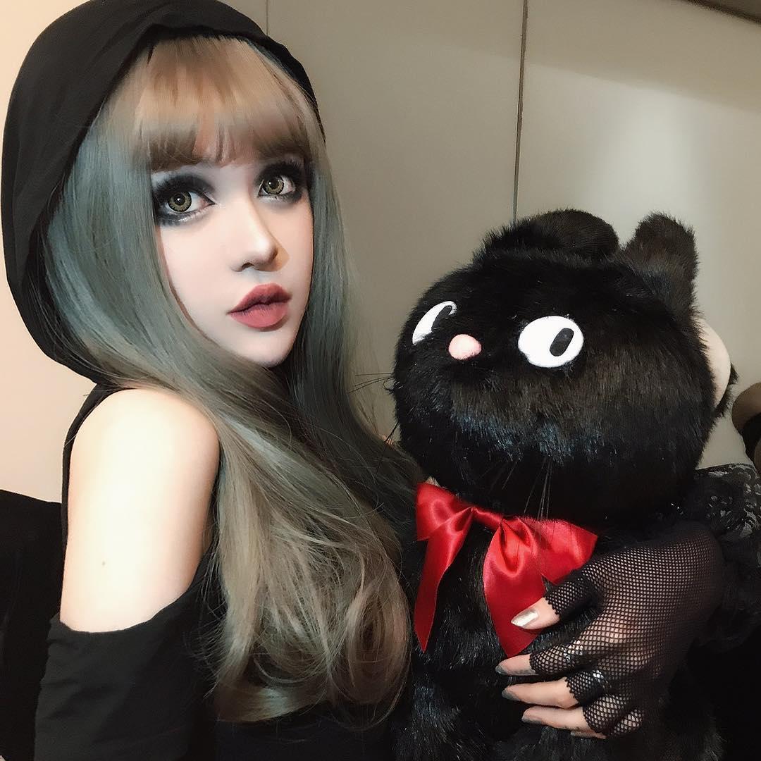 look alike of doll