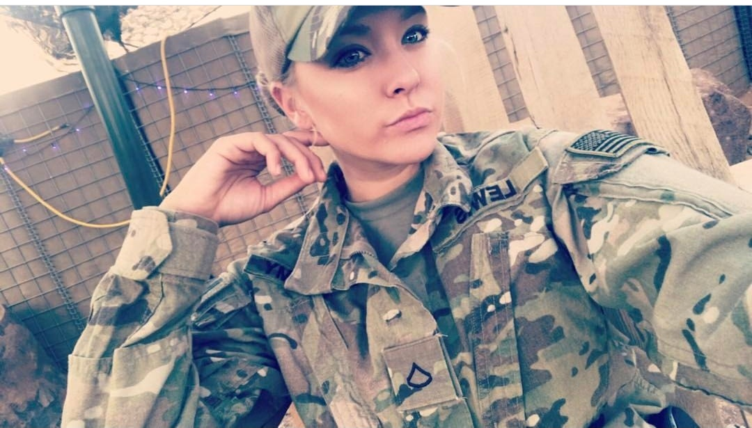 female soldiers who are stunning