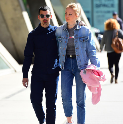 joe jonas kissed sophie body double